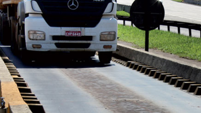 Dynamic Weighing of Vehicles on Highways